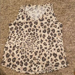 Maurices sleeveless v-neck animal print tee - xl